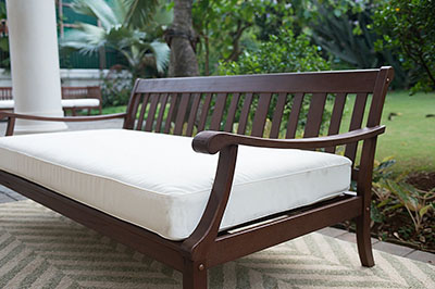 Cambridge-Casual 071460 Como Daybed with Cushion